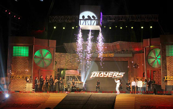11dec players musiclaunch07 Players team launches its music with a Dhamaka