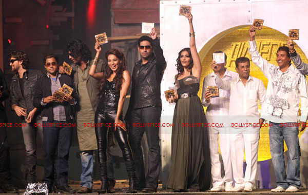 11dec players musiclaunch14 Players team launches its music with a Dhamaka