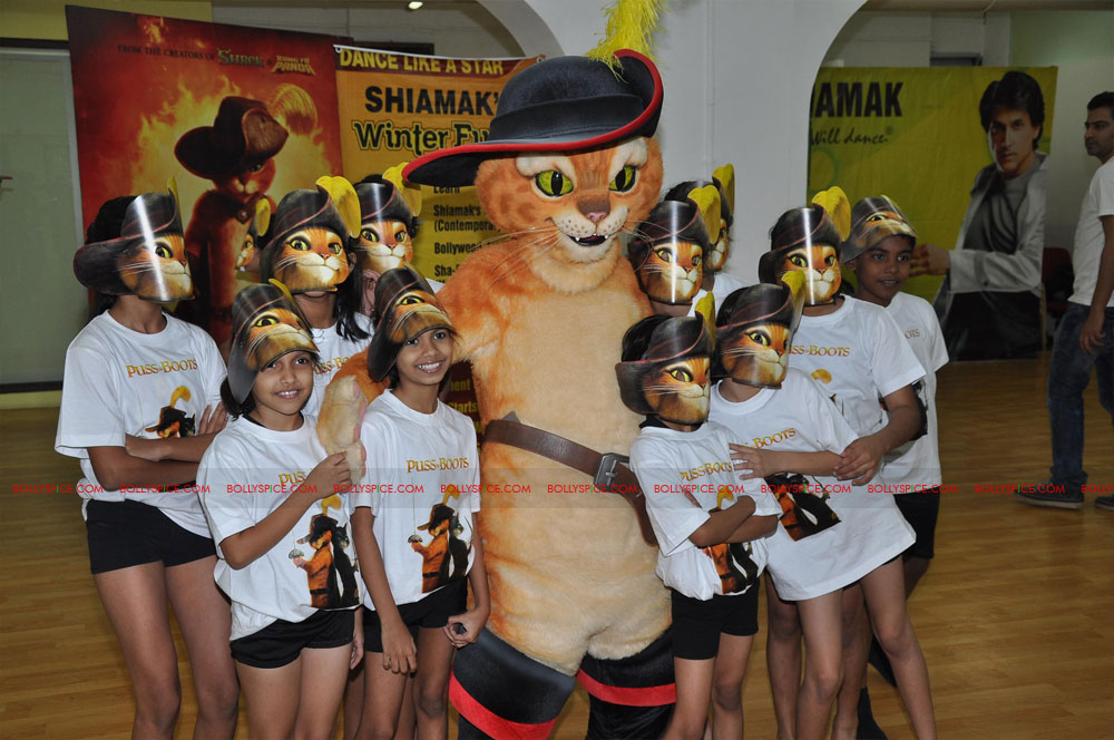 "11dec shaimak PIB03 ""I Think Puss is gorgeous!"": Shiamak Davar"