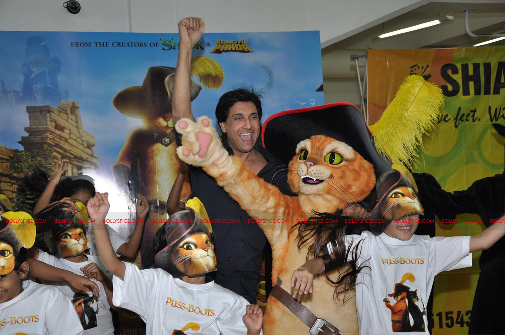 "11dec shaimak PIB09 ""I Think Puss is gorgeous!"": Shiamak Davar"