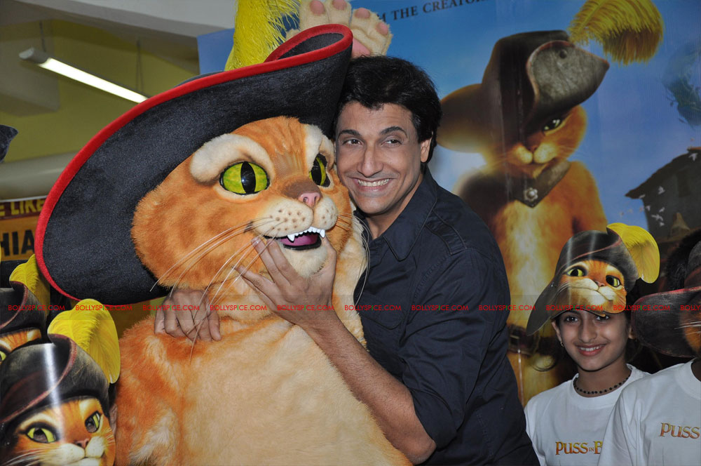 "11dec shaimak PIB13 ""I Think Puss is gorgeous!"": Shiamak Davar"
