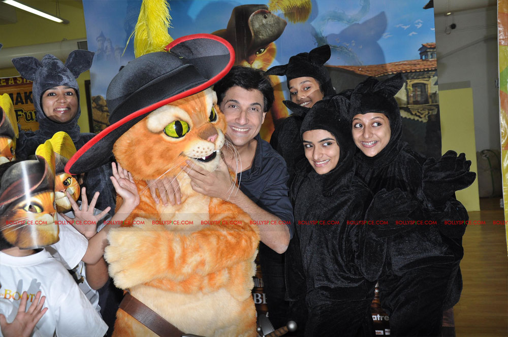 "11dec shaimak PIB14 ""I Think Puss is gorgeous!"": Shiamak Davar"