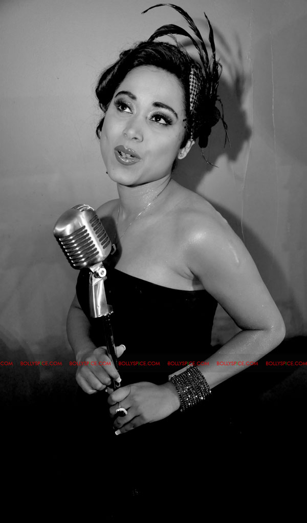 11dec shweta ajooba01 Shankar Mahadevans protégée Shweta Subram returns with her second single Ajooba