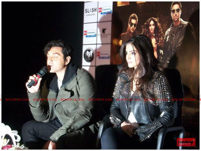 11dec sonam bobby01 Sonam Kapoor and Bobby Deol promote Players   Go for Gold in Chandighar