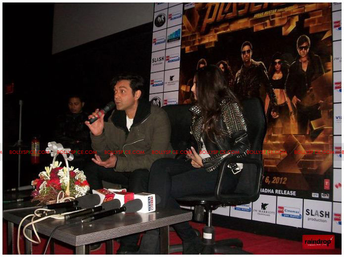 11dec sonam bobby06 Sonam Kapoor and Bobby Deol promote Players   Go for Gold in Chandighar