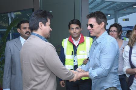 11dec tomcruisearrives03 You have to pinch me. I cant believe I am here   Tom Cruise
