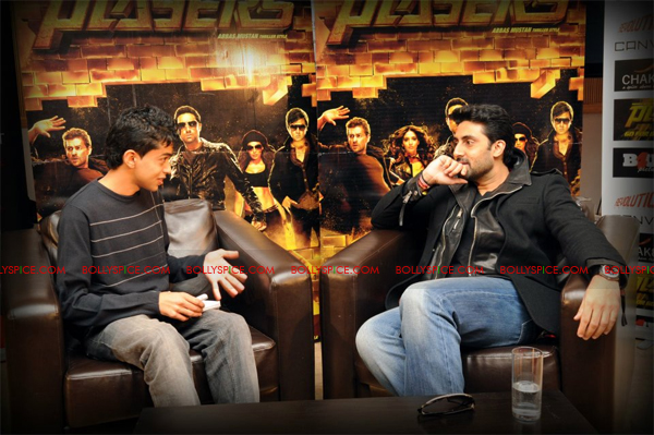 01jan abhiinterview 03 We are not here to win any awards or to get the greatest reviews  Abhishek Bachchan