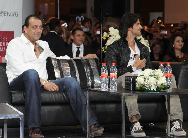 01jan agneepathdubai 06a Special Report: Hrithik and Sanjay promote Agneepath in Dubai