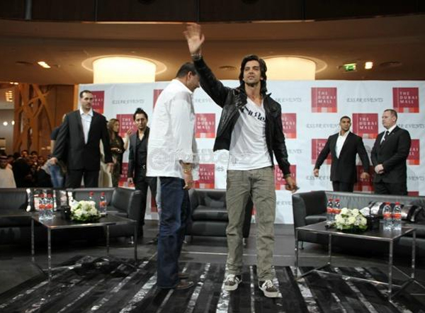 01jan agneepathdubai 07a Special Report: Hrithik and Sanjay promote Agneepath in Dubai