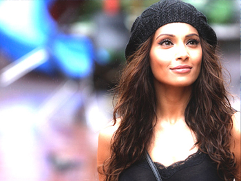 "01jan bipashainterview 02 Bipasha Basu: ""I was blown away when I heard the script for Players"""