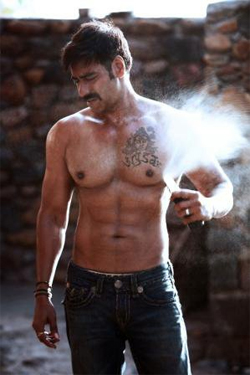 01jan hotbodies ajay Hot Bodies in Bollywood!