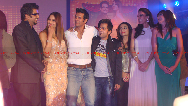 01jan jodibreakerslaunch 34 Jodi Breakers Music Launch!