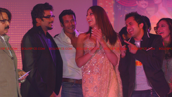 01jan jodibreakerslaunch 35 Jodi Breakers Music Launch!