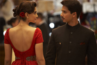 01jan whwn mausam Whos Hot Whos Not – Best and Worst Costumes in the Movies of 2011