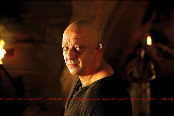 12jan agneepath presskit05 More New Exclusive Agneepath Stills!