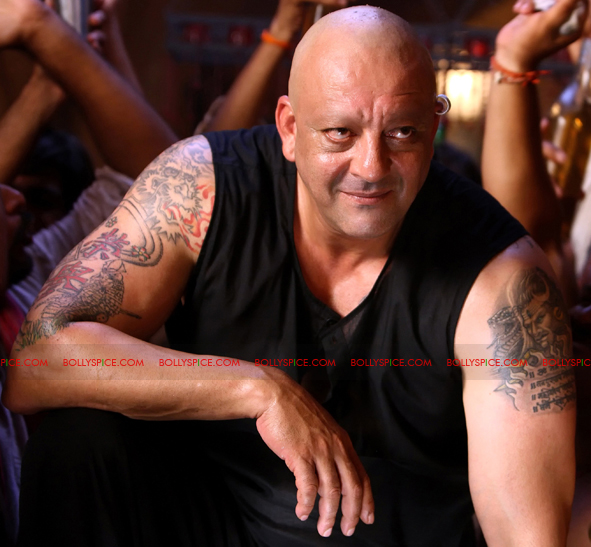 12jan agneepath presskit06 More New Exclusive Agneepath Stills!