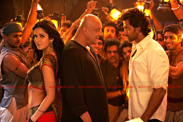 12jan agneepath presskit10 More New Exclusive Agneepath Stills!