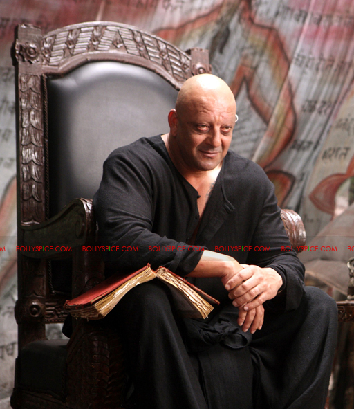 12jan agneepath presskit12 More New Exclusive Agneepath Stills!