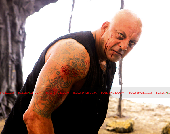 12jan agneepath presskit17 More New Exclusive Agneepath Stills!