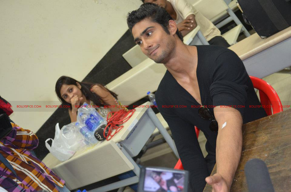 12jan amy prateik marrow03 Prateik and Amy Jackson inaugurates Registration for Marrow Donation Camp