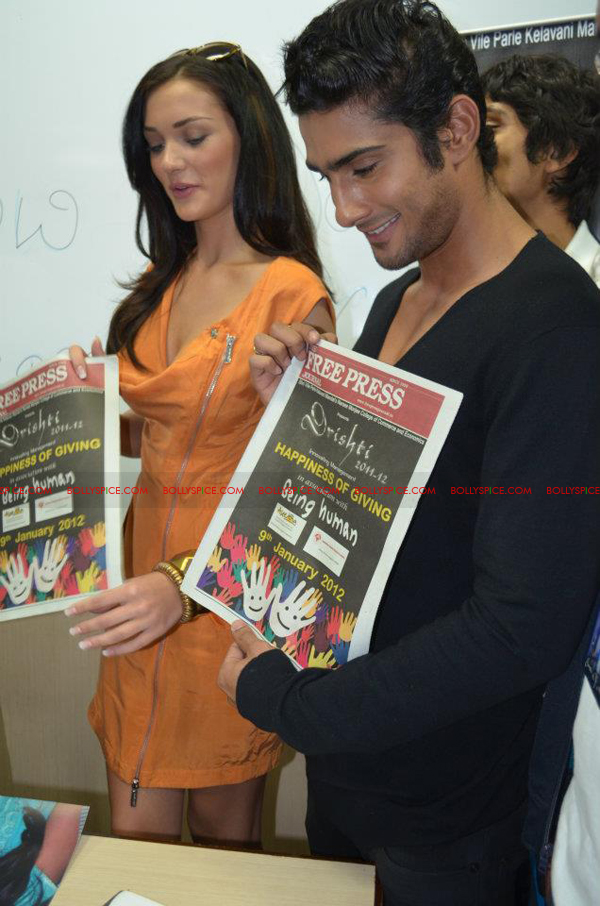 12jan amy prateik marrow07 Prateik and Amy Jackson inaugurates Registration for Marrow Donation Camp