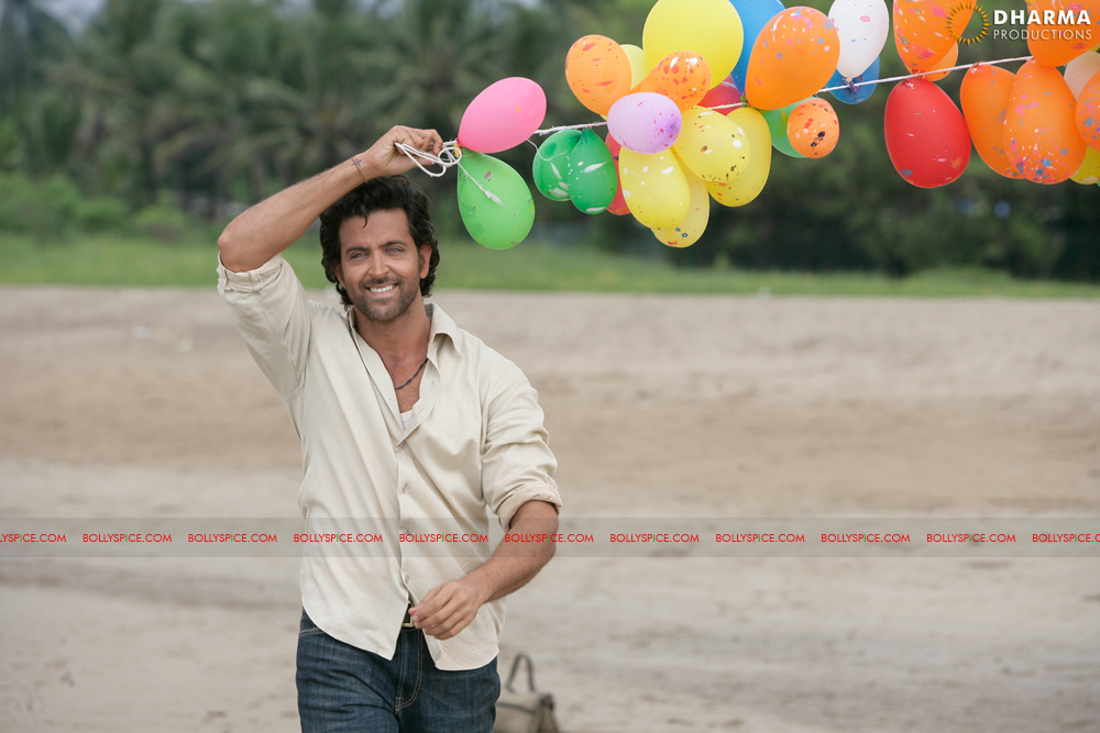 12jan hrithik bday01 Happy 38th Birthday Hrithik Roshan