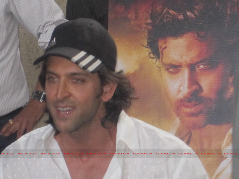 12jan hrithik bday03 Happy 38th Birthday Hrithik Roshan