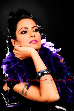 12jan nindy interview01 Make music you are proud of and give it your all   Nindy Kaur