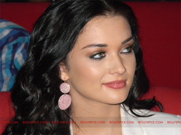 02feb amyjackson 02 Jessie A.K.A Amy Jackson Celebrates Birthday In Style