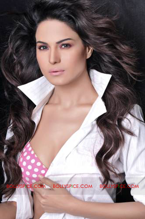 12feb veena accusations Veena Malik clears the air on recent accusations