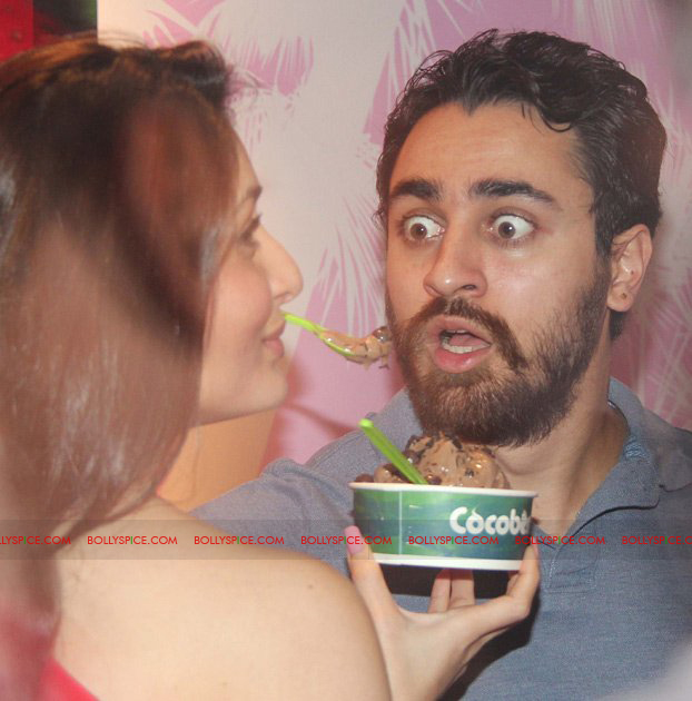 12jan EMAET cocoberry13 Bebo and Imran launch new Cocoberry flavor