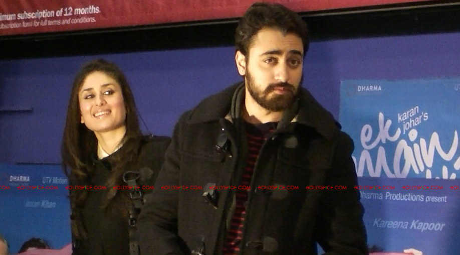 12jan EMAET imrankareena feltham02 Imran Khan and Kareena Kapoor at Cineworld Feltham UK