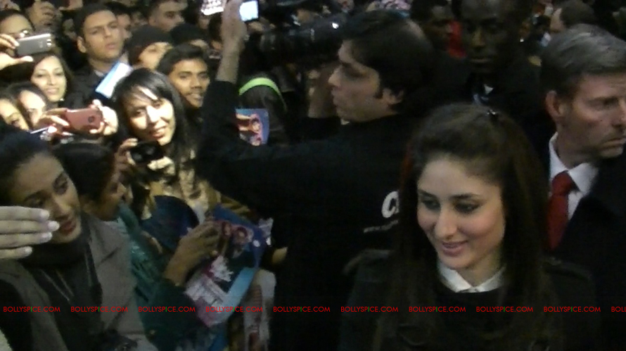 12jan EMAET imrankareena feltham05 Imran Khan and Kareena Kapoor at Cineworld Feltham UK