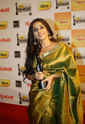 12jan whwn 57filmfare33 Whos Hot Whos Not   The 57th Filmfare Awards