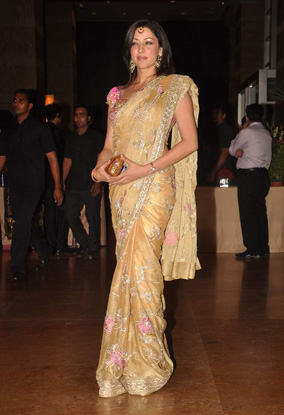 12jan whwn riteish genelia reception01 Who's Hot Who's Not: Riteish & Genelias Wedding Reception
