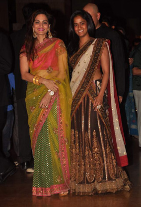 12jan whwn riteish genelia reception03 Who's Hot Who's Not: Riteish & Genelias Wedding Reception