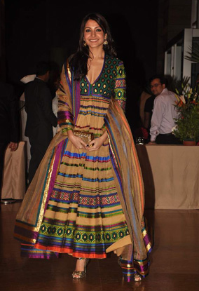 12jan whwn riteish genelia reception04 Who's Hot Who's Not: Riteish & Genelias Wedding Reception