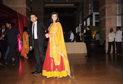 12jan whwn riteish genelia reception05 Who's Hot Who's Not: Riteish & Genelias Wedding Reception