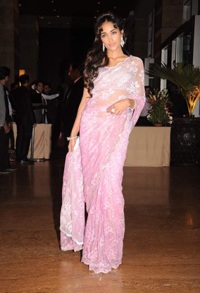 12jan whwn riteish genelia reception11 Who's Hot Who's Not: Riteish & Genelias Wedding Reception
