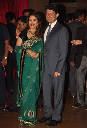 12jan whwn riteish genelia reception15 Who's Hot Who's Not: Riteish & Genelias Wedding Reception