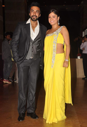 12jan whwn riteish genelia reception19 Who's Hot Who's Not: Riteish & Genelias Wedding Reception