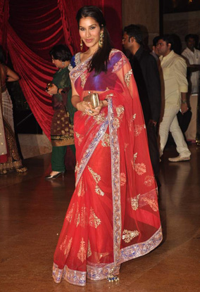 12jan whwn riteish genelia reception21 Who's Hot Who's Not: Riteish & Genelias Wedding Reception