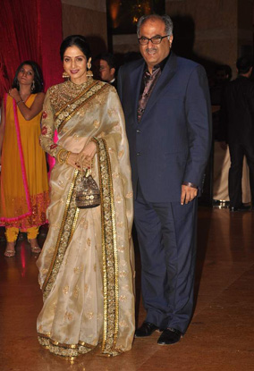 12jan whwn riteish genelia reception22 Who's Hot Who's Not: Riteish & Genelias Wedding Reception