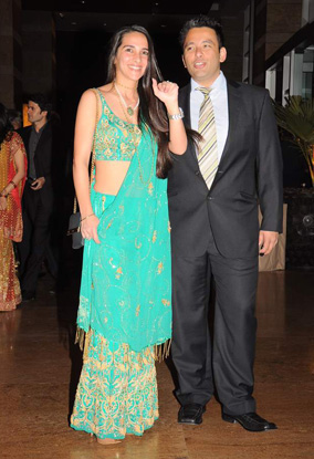 12jan whwn riteish genelia reception23 Who's Hot Who's Not: Riteish & Genelias Wedding Reception