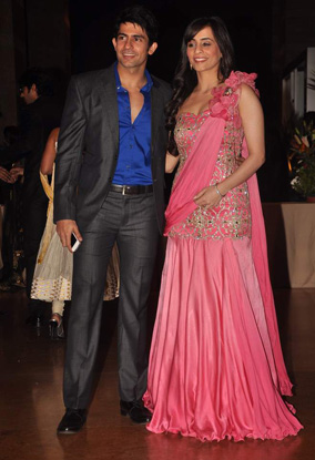 12jan whwn riteish genelia reception24 Who's Hot Who's Not: Riteish & Genelias Wedding Reception