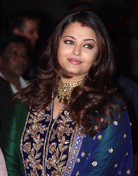 aishwarya rai bachchan ritesh genelia wedding Aishwarya Enjoying Motherhood