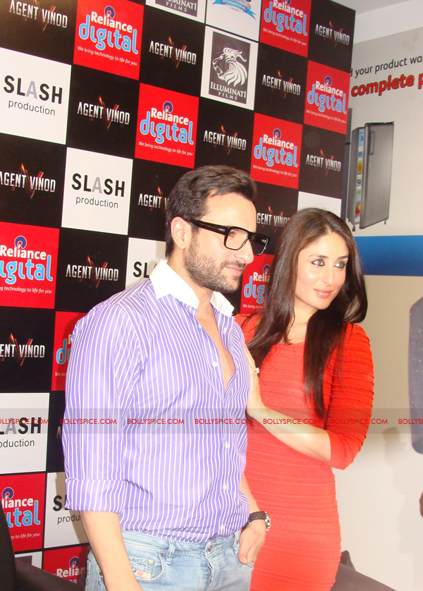 12mar agentvinodPC11 BollySpice at Agent Vinod Press Conference