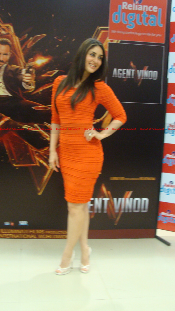 12mar agentvinodPC31 BollySpice at Agent Vinod Press Conference