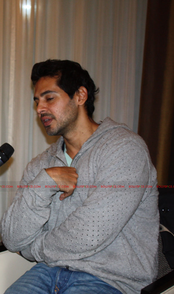 12mar dino chak89intrvw01 Producer Dino Morea talks to BollySpice about Jism 2 and more...