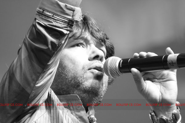 12mar kailashintrvw06 Music is the language of love   Kailash Kher